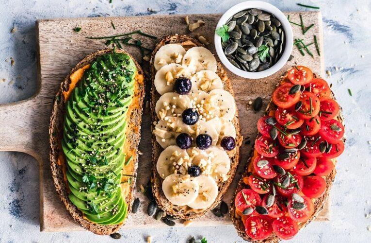 Domácí vaření a rozhodně větší lokálnost, ale taky rostlinná strava, bio, houby, bylinky a nové druhy pálenky.
